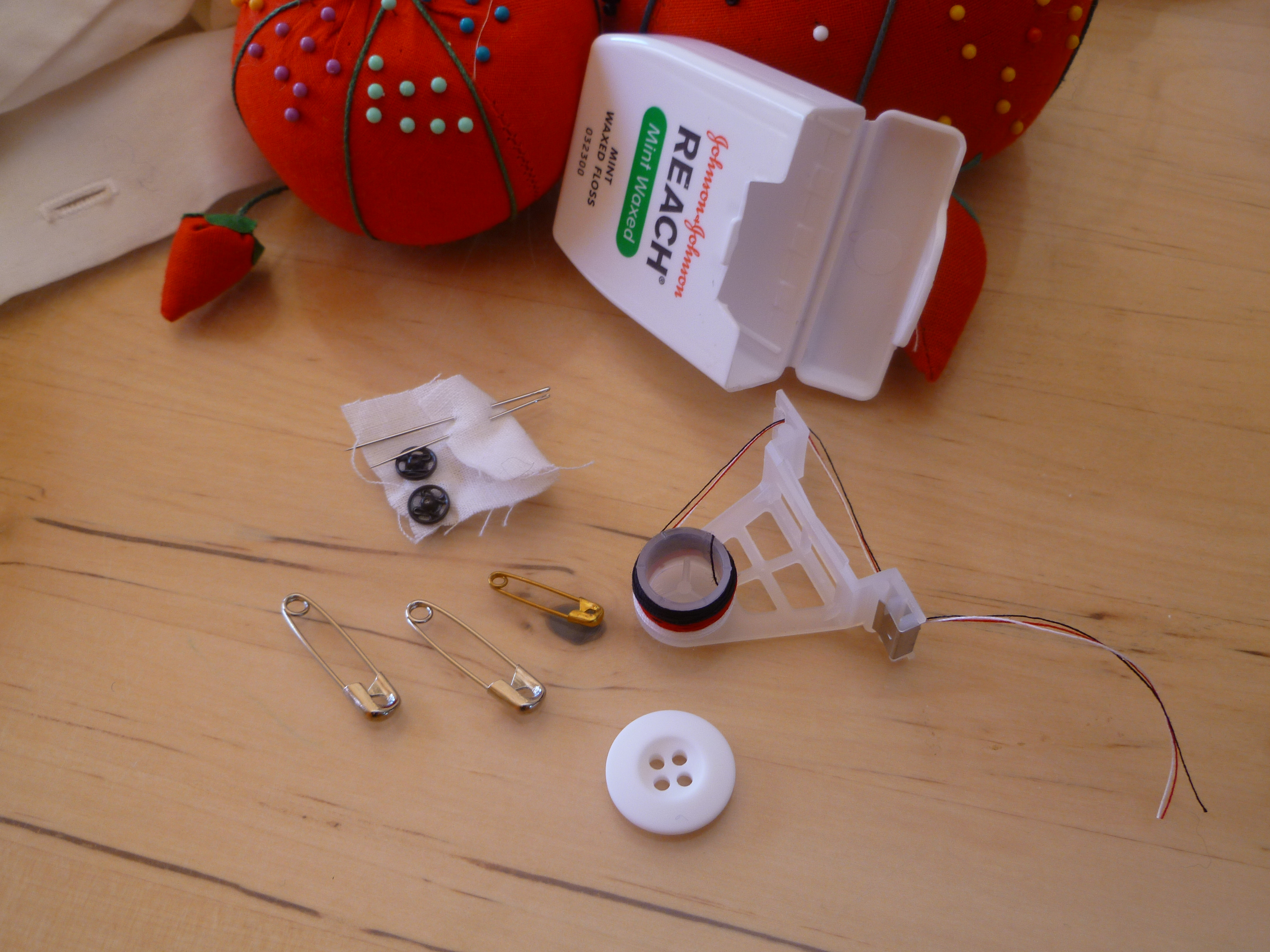 Zero waste bathroom dental floss trash backwards blog the contents of my diy dental floss box sewing kit solutioingenieria Choice Image