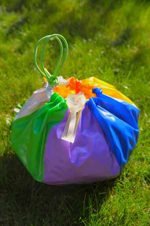 Beach Ball Beach Bag, Photo: Liesl Clark