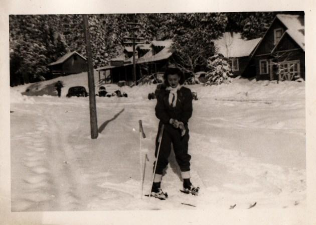 Inge Frankel Skiing Glamorously