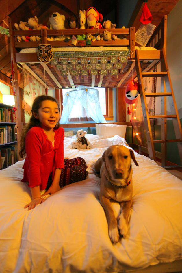 We acquired this groovy bunkbed through Freecycle. Photo © Liesl Clark
