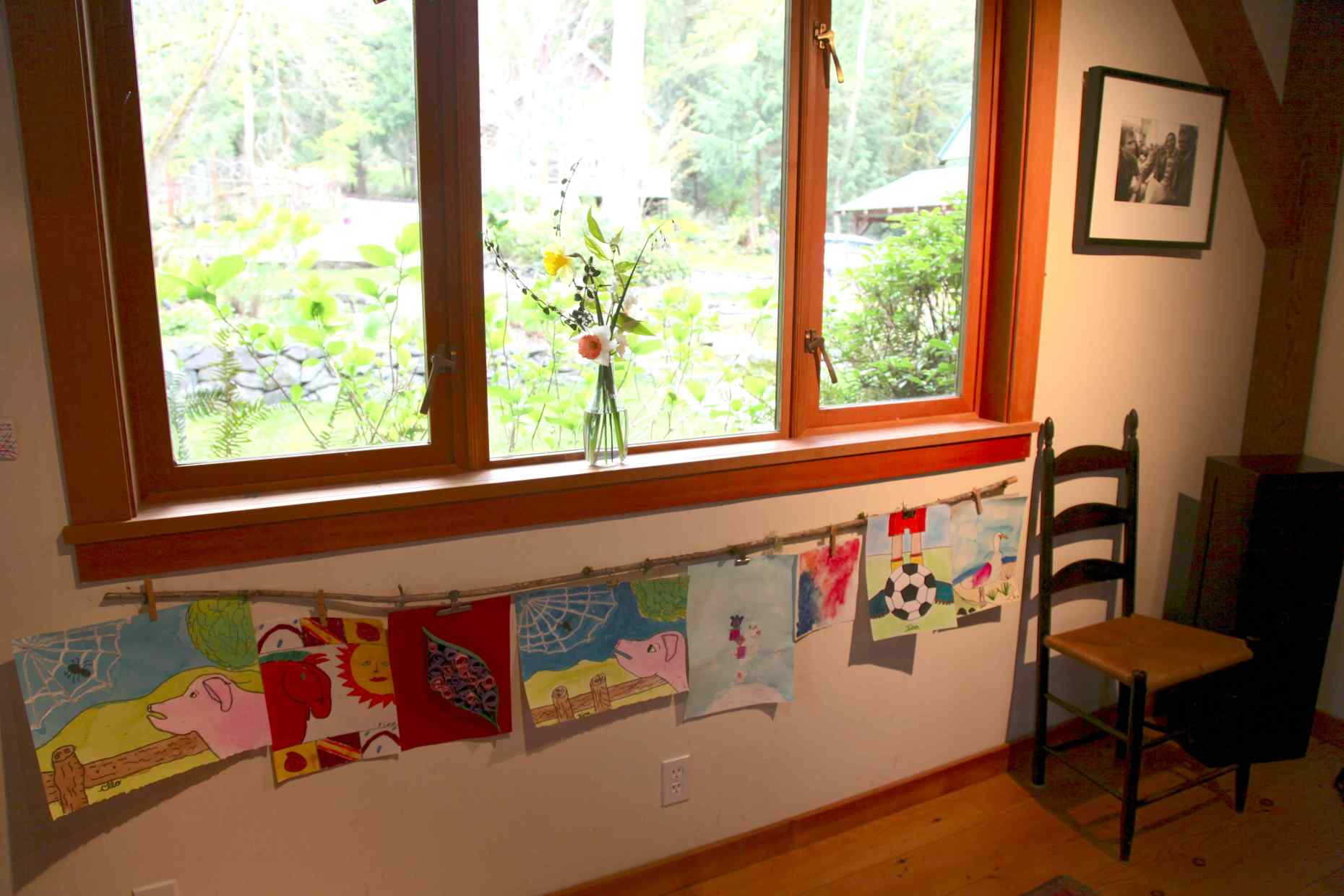 How to simply display your children's art. Photo © Liesl Clark