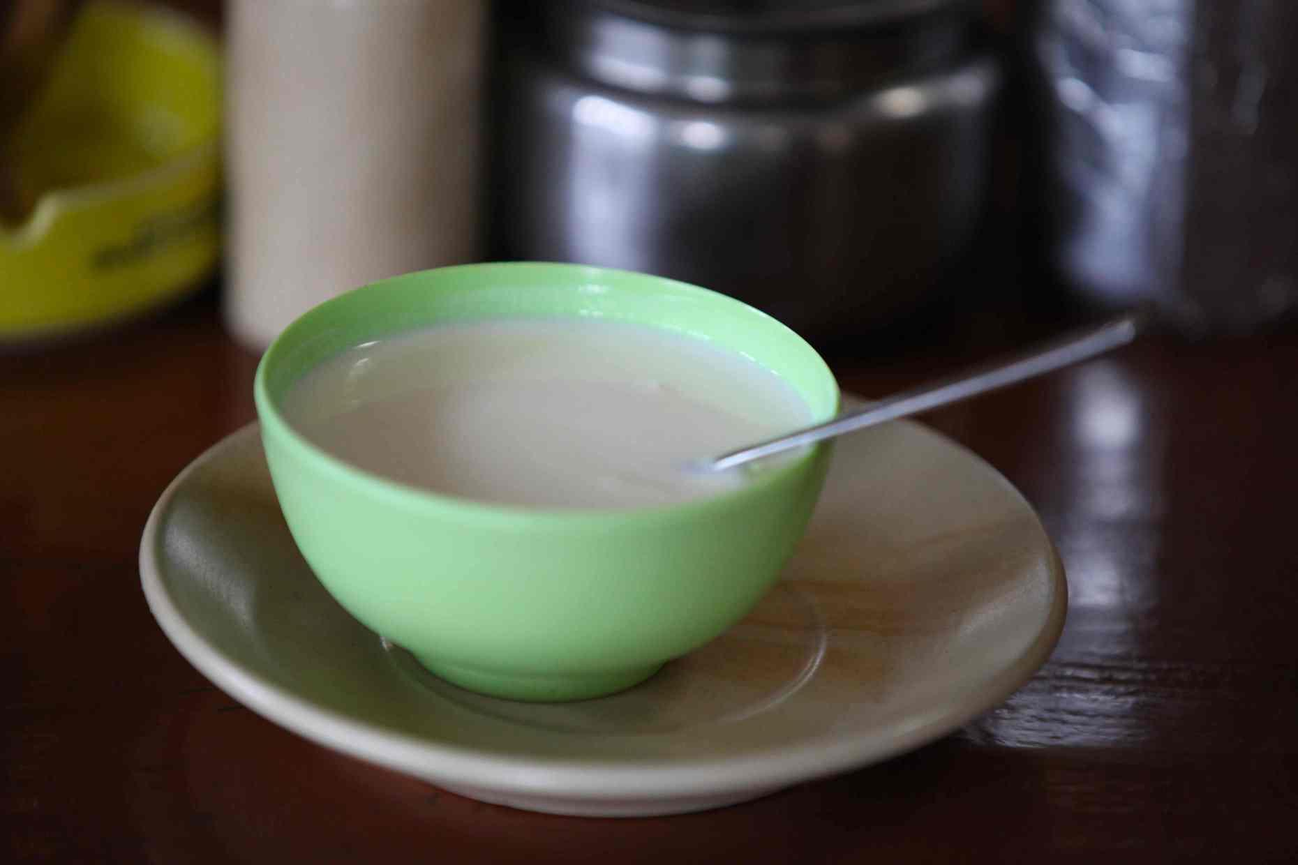 Local Fresh Goatsmilk Yogurt in Kolapani. © Liesl Clark