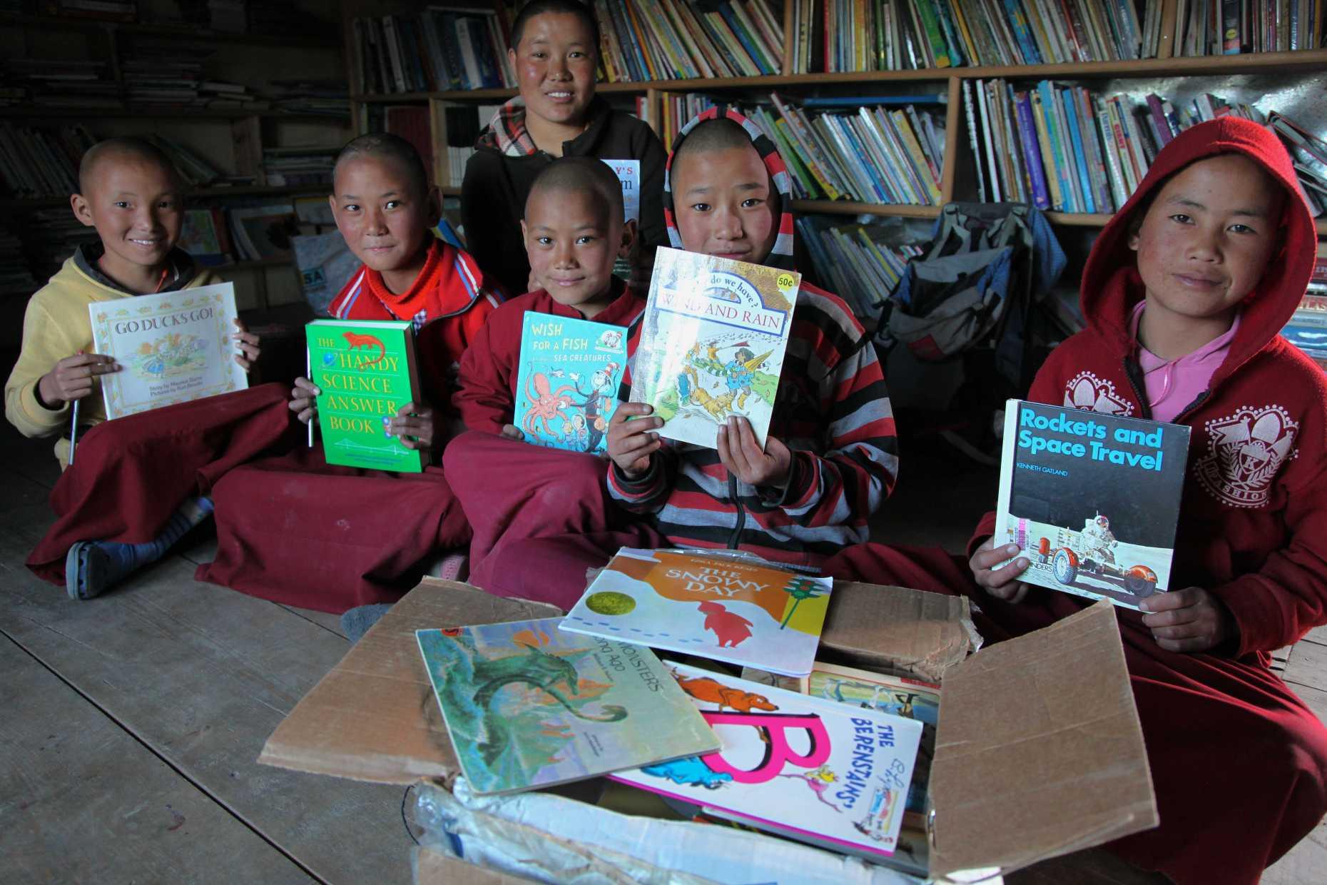Magic Yeti Book Delivery Day in Tsarang © Liesl Clark